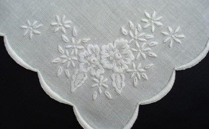 Разновидности вышивки белая